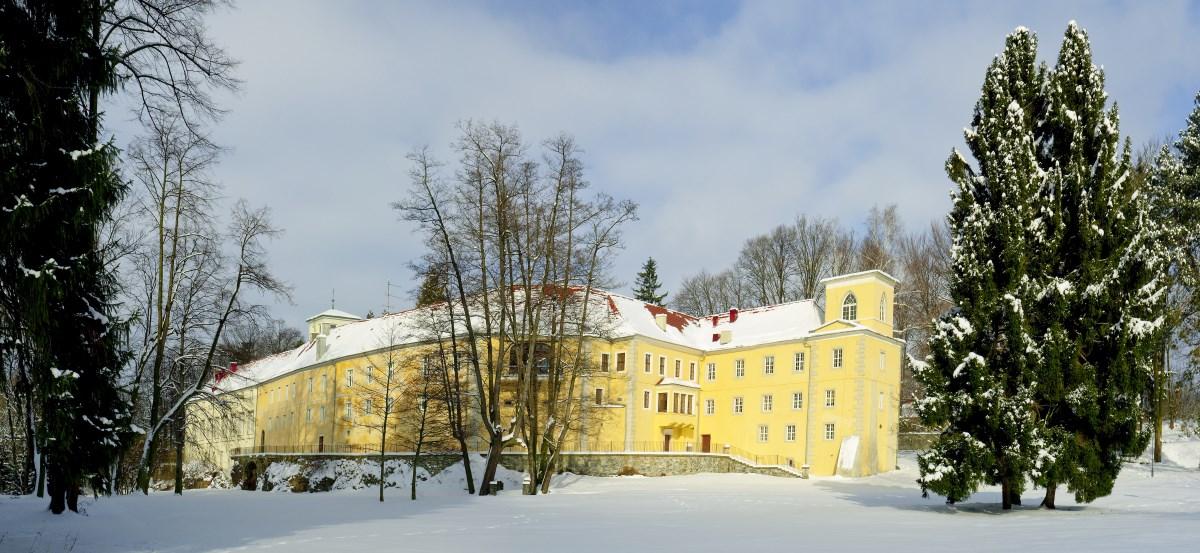 4ffd92a1c4ab Zima w Sudetach - Zamek na Skale