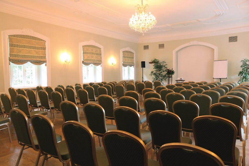 Dlaczego warto zorganizować konferencję w zamku?